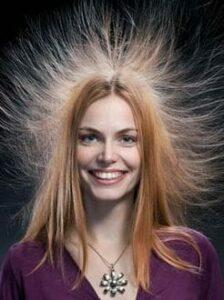 пушатся и электризуются волосы