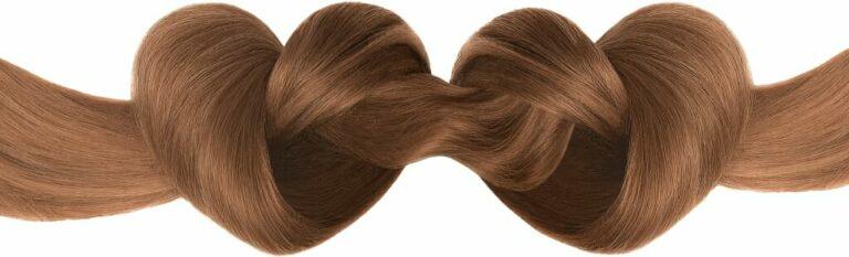 волосы связаны в виде сердца